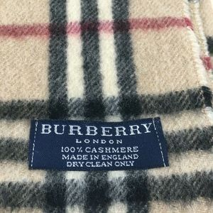 Burberry LONDON The Classic Check Cashmere Scarf